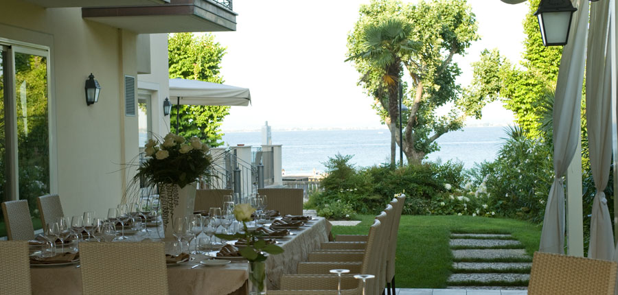 Villa Rosa Hotel, Desenzano, Lake Garda, Italy - Restaurant terrace.jpg